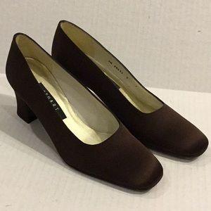 STUART WEITZMAN Women's Shoes Brown Size 7